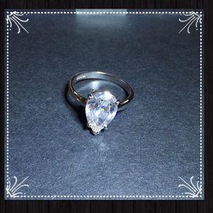 Jewelry - Beautiful Simulated Diamond Ring